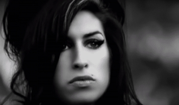 Amy Winehouse - Wake Up Alone