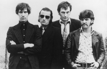 Dr Feelgood - She Does It Right