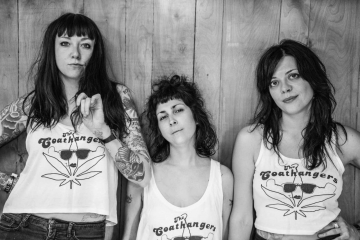 The Coathangers - Watch Your Back