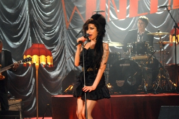 Amy Winehouse - Between the cheats